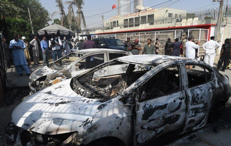 Auto incinerado - Terrorismo