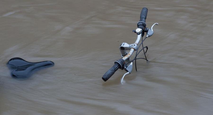 Bicicleta en inundación