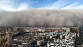 Muro de arena apagó la ciudad de Zhangye
