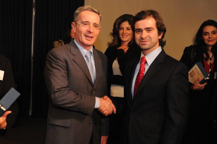 Álvaro Uribe y Pedro Valencia