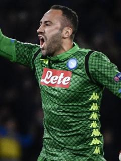 ¡Por fin! David Ospina vuelve a tapar con el Napoli luego de 5 meses