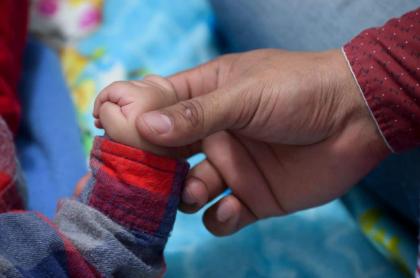 Imagen de la mano de un niño