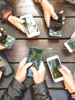 Personas con celulares
