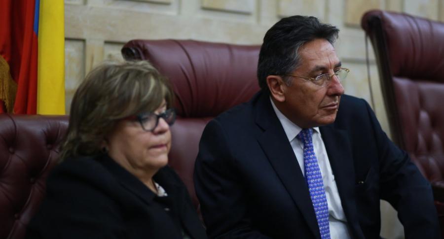 La ministra de Justicia, Gloria María Borrero, y el fiscal general de la Nación, Néstor Humberto Martínez