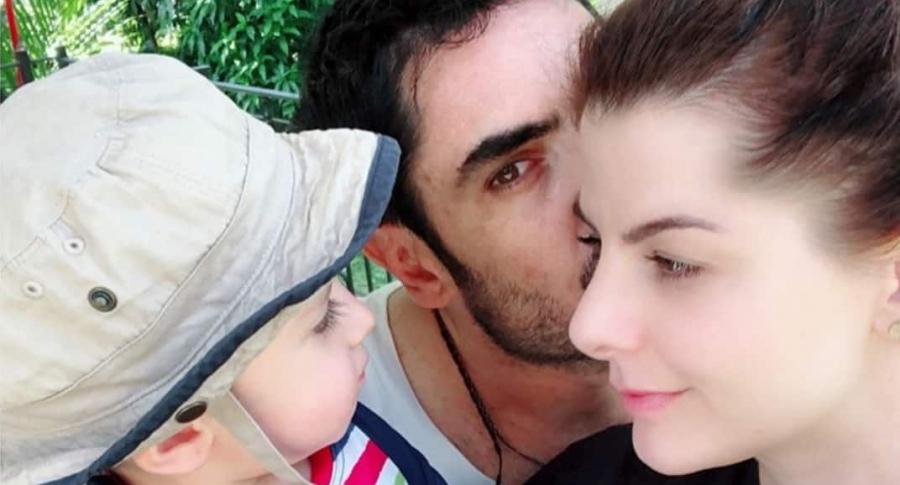 Carolina Cruz, presentadora, con su hijo Matías, y su pareja Lincoln Palomeque, actor.