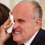Jennifer LeBlanc y Rudy Giuliani en la Corte Suprema de Justicia de EE. UU.
