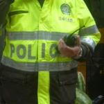Agente de Policía fumando