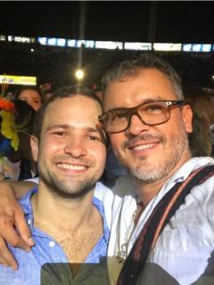 Guillermo Vives y su pareja