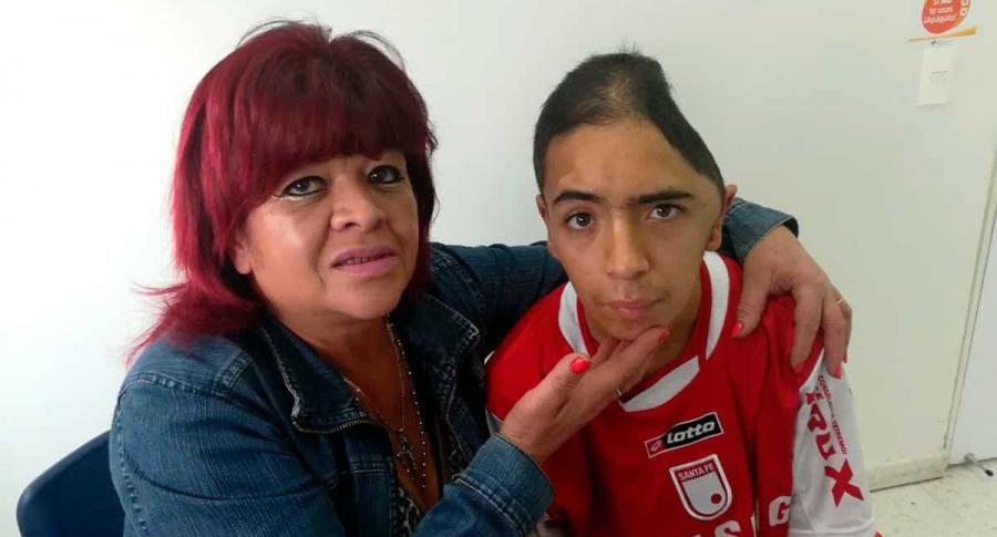 Harry Steven Rodríguez y su mamá