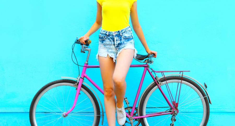 Mujer vistiendo Shorts