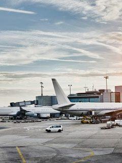 Cuatro propuestas recibió la Aeronáutica Civil por parte de empresas centroamericanas y una colombiana para operar en el país.