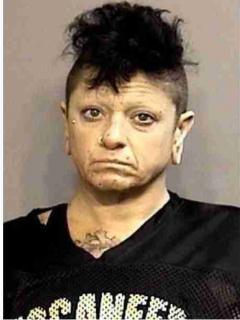 Mujer que agredió al esposo, en EE. UU.