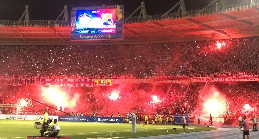 Hinchas de Junior en el estadio Metropolitano
