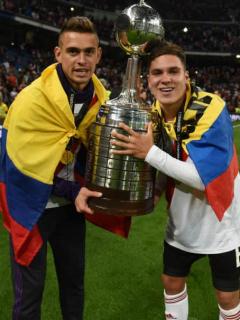 Guayo de Quintero, el del gol a Boca, subastado en cientos de millones en Argentina