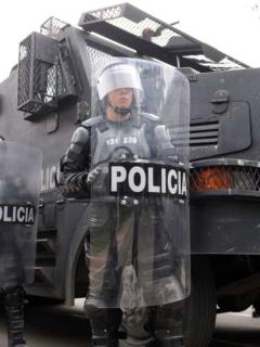 Tensión en avenida El Dorado porque Policía y Esmad bloquearon paso de la marcha
