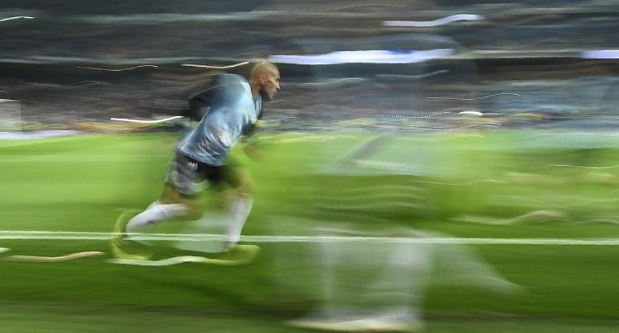 Imagen difuminada de futbolista
