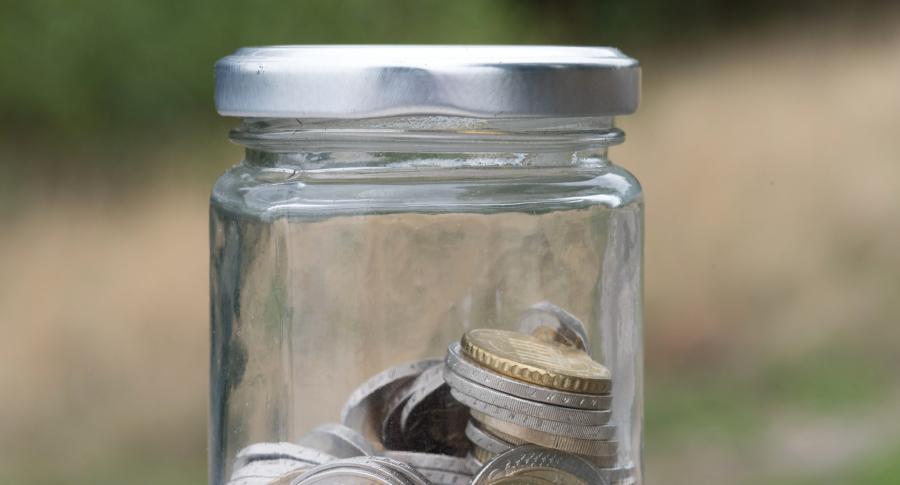 Monedas en una botella