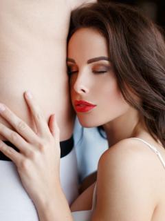 ¿No sabe cómo dar un buen sexo oral? 4 masajes linguales para que él le pida más