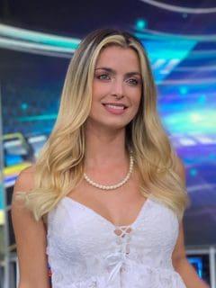 Cristina Hurtado sorprendió a todos sus seguidores en las redes sociales debido a que lució un enorme tatuaje en su brazo izquierdo.