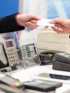 Sonríen los ahorradores, pero no los bancos: ahora tendrán que dar unos servicios gratis