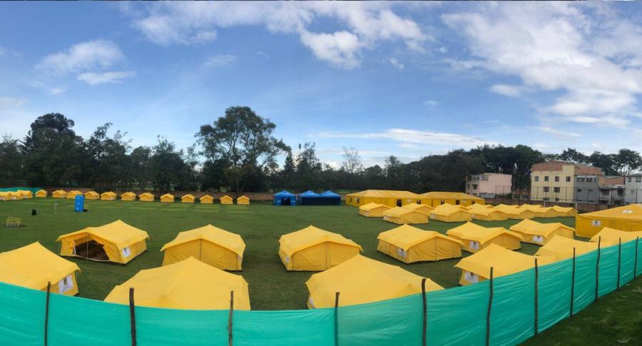 Campamento humanitario de paso en Engativá, Bogotá