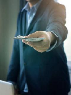 """Imagen de ilustración sobre nota de Shoji Morimoto, japonés de 37 años, que gana 100 dólares por """"no hacer nada""""."""