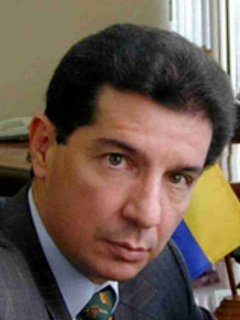 José Félix Lafaurie, presidente de Fedegan, dijo que no quiere ver a sus hijos participando en política; le parece que no vale la pena.