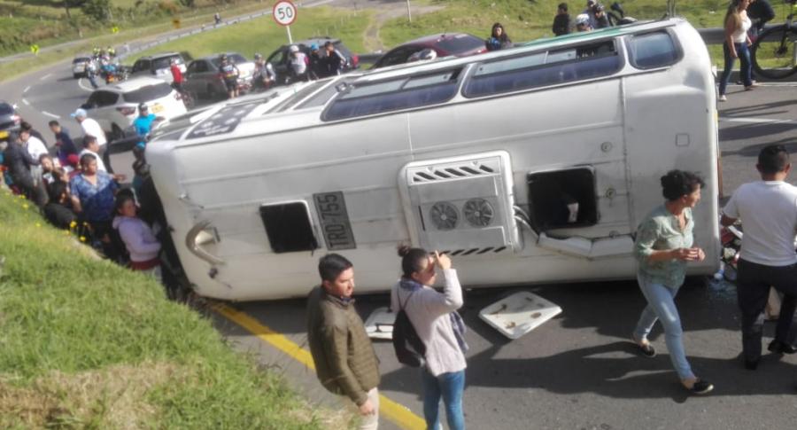 Accidente en vía Bogotá-La vega