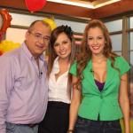 Jota Mario Valencia, Milena López y Laura Acuña, presentadores.