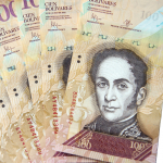 Billetes de 100 bolívares venezolanos.