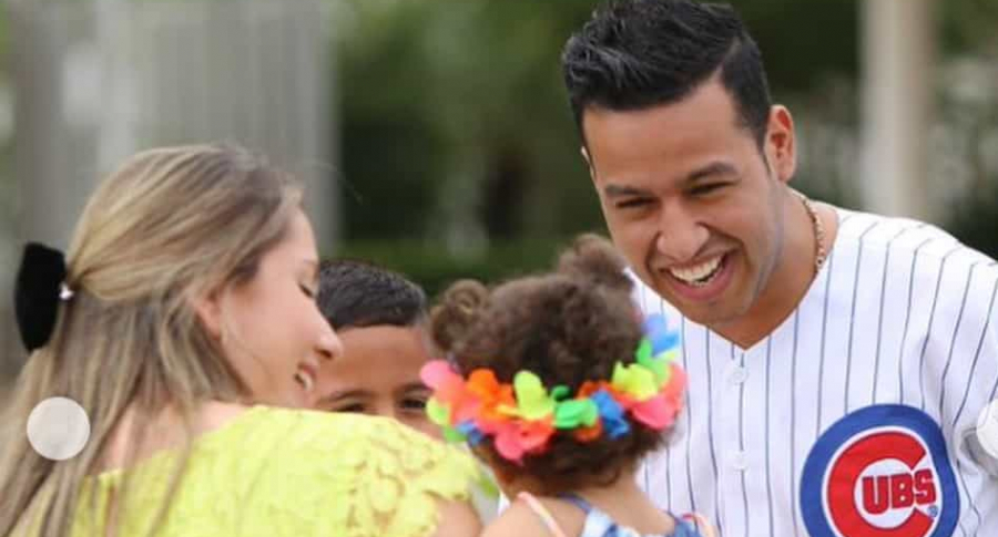 Martín Elías, cantante, junto a su segunda esposa, Dayana Jaimes, y sus hijos Paula y Martin jr.