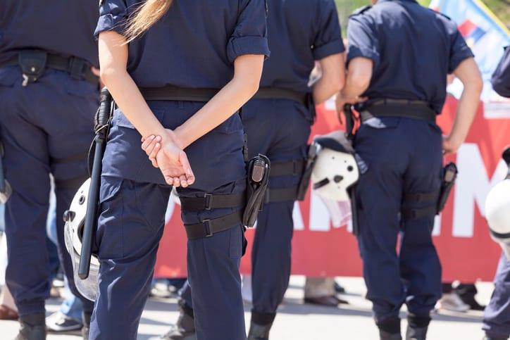 Mujer Policía
