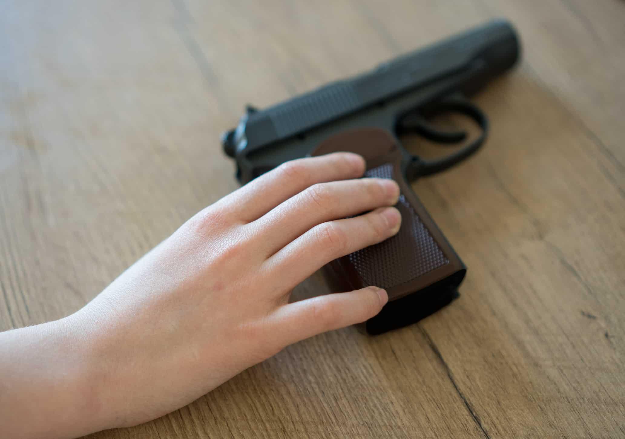 Niño de 6 años con pistola en el colegio