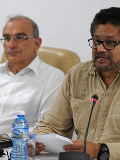 Humberto de la Calle e 'Iván Márquez'