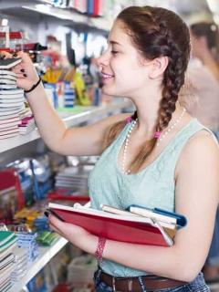Jóvenes colombianos, los que más prefieren estudiar en comparación al promedio global
