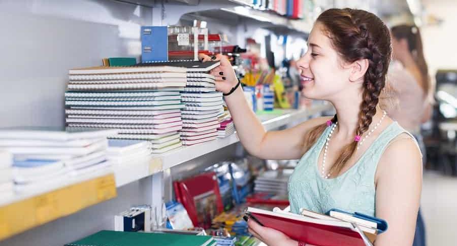 Compra de útiles escolares, colegio