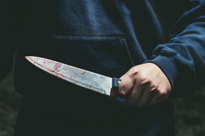 Hombre con un cuchillo