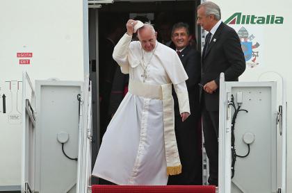 Papa Francisco en avión de Alitalia