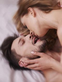 Mujeres que practican pompoarismo hacen que las erecciones de ellos sean más sólidas
