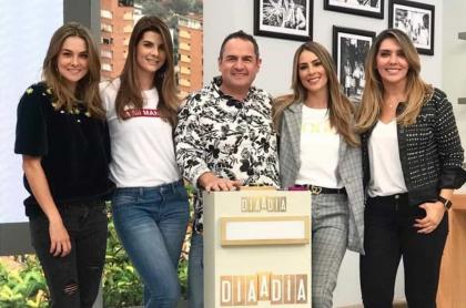 Catalina Gómez, Carolina Cruz, Mauricio Vélez, Carolina Soto y Mónica Rodríguez, presentadores.