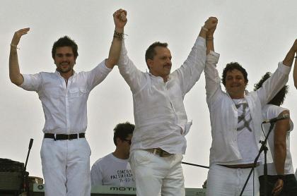 Juanes, Miguel Bosé y Alejandro Sanz, cantantes.