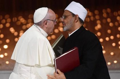 Beso papa Francisco