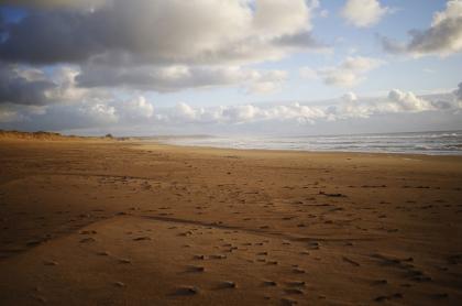 Playa en Surtainville, punto más cercano a lugar de la tragedia