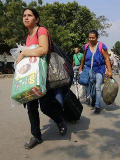 """Proponen """"impuesto de migración"""" a venezolanos en Colombia para cubrir sus gastos de salud"""