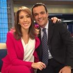 Juanita Gómez con Marina Granziera y Juan Diego Alvira, presentadores.