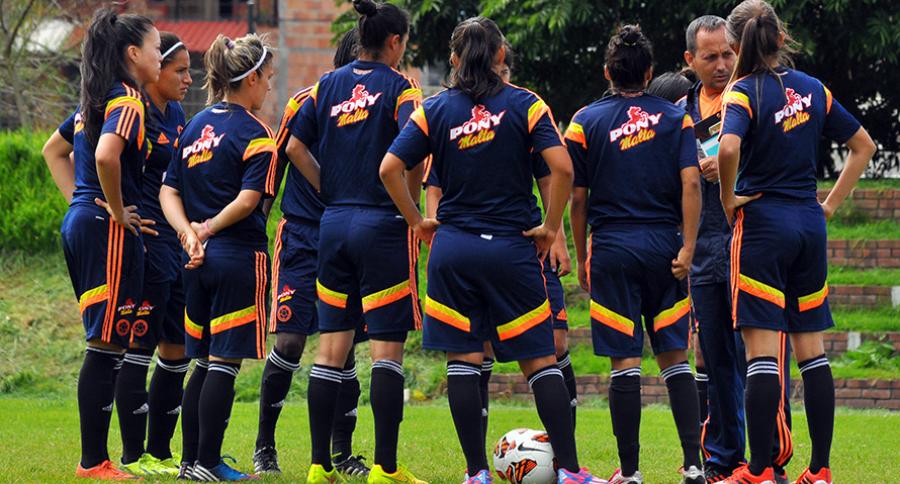 Selección Colombia Fútbol Femenino con Felipe Taborda