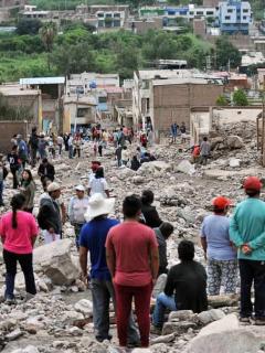 Damnificados por avalanchas en Perú