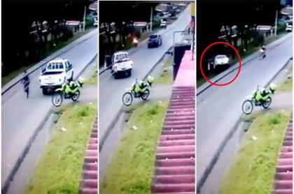 Patrulla de policía cae a barranco.