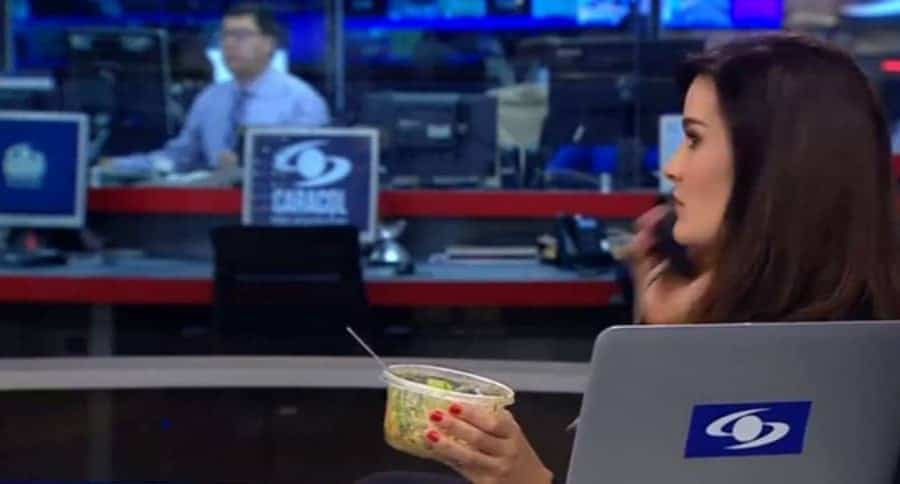 Vanessa de la torre fue sorprendida con la coca del almuerzo al aire
