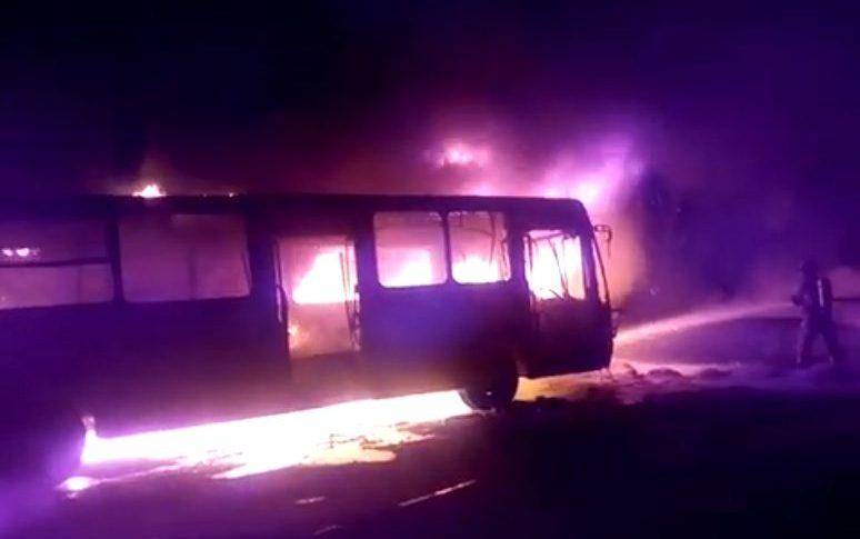 Bus de Sitp incendiado